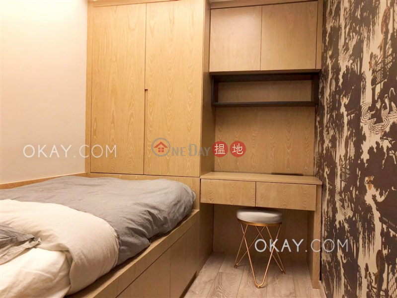 HK$ 8.2M | Winfull Commercial Building | Western District, Generous 2 bedroom in Sheung Wan | For Sale