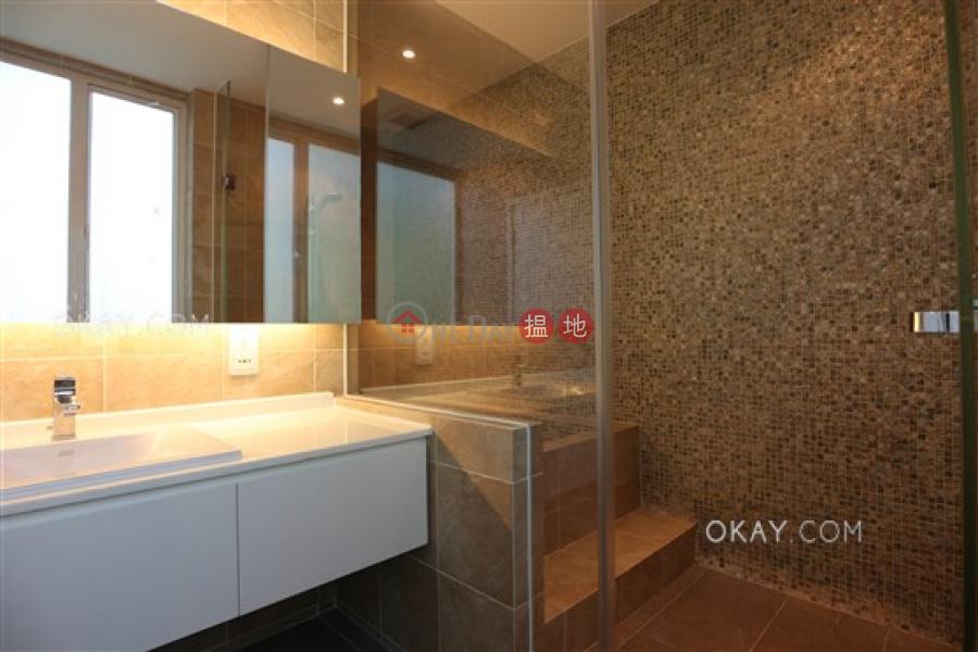 Elegant house with balcony | Rental, Che Keng Tuk Village 輋徑篤村 Rental Listings | Sai Kung (OKAY-R121291)