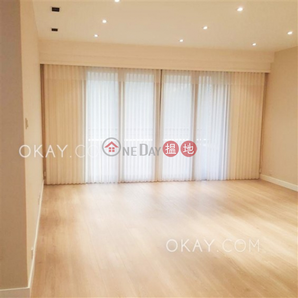 Lovely 3 bedroom with balcony | For Sale, Parkview Crescent Hong Kong Parkview 陽明山莊 環翠軒 Sales Listings | Southern District (OKAY-S50451)