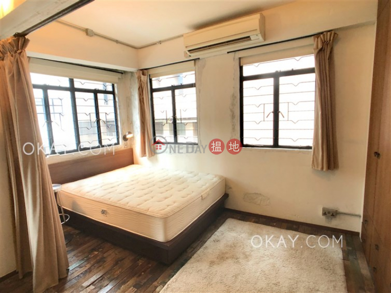 Charming studio in Sheung Wan | For Sale, 40-42 Circular Pathway 弓絃巷40-42號 Sales Listings | Western District (OKAY-S256185)