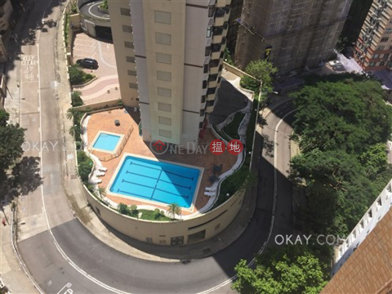 Efficient 3 bedroom on high floor with parking | For Sale | Tai Hang Terrace 大坑台 Sales Listings