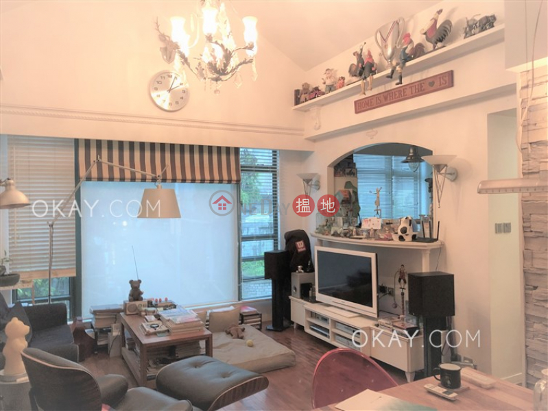 Beautiful 3 bed on high floor with rooftop & parking | For Sale | Stanford Villa Block 1 旭逸居1座 Sales Listings