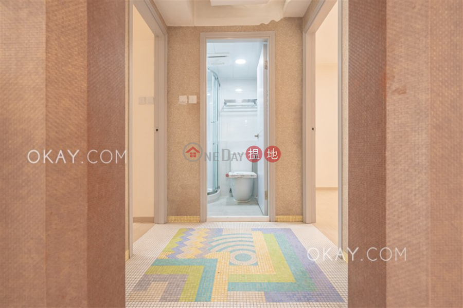HK$ 35M, Block 4 Kent Court Kowloon Tong, Luxurious 3 bedroom in Kowloon Tong   For Sale