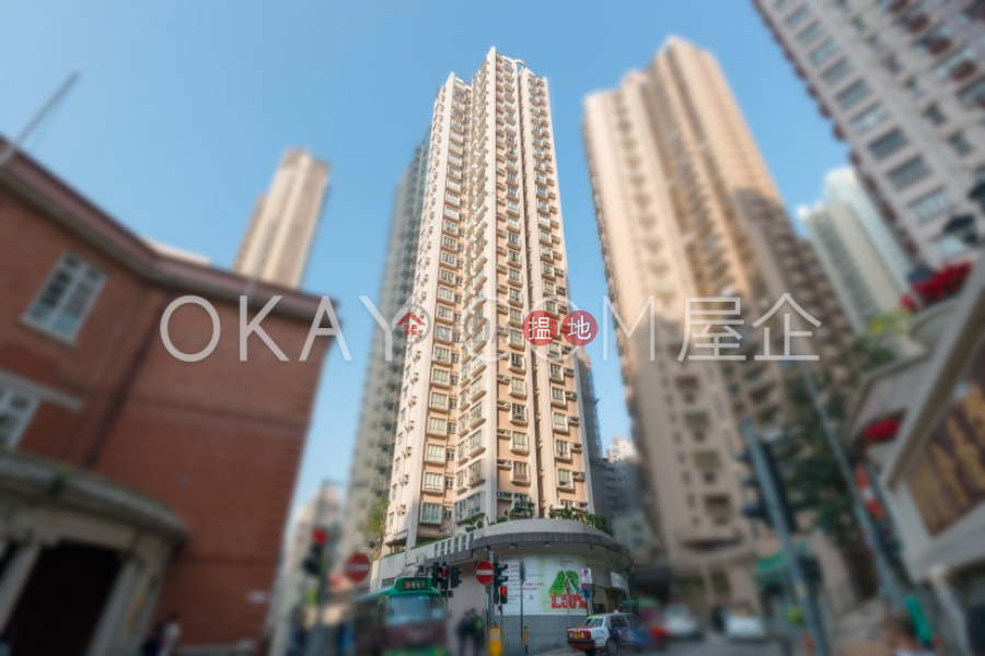 HK$ 9.3M The Bonham Mansion Western District Intimate 2 bedroom in Mid-levels West | For Sale