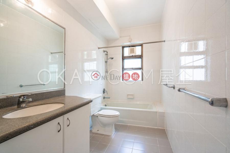 Efficient 3 bedroom with sea views & balcony   Rental   Repulse Bay Apartments 淺水灣花園大廈 Rental Listings