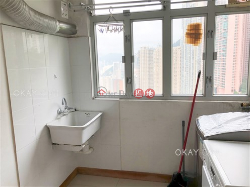 HK$ 76,000/ month, Pearl Gardens Western District Efficient 3 bedroom with balcony & parking | Rental