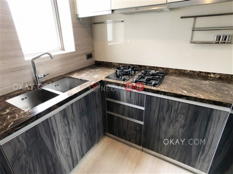 HK$ 28,000/ month Island Crest Tower 1 Western District Intimate 2 bedroom on high floor with balcony | Rental