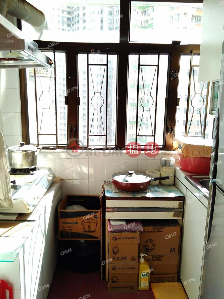 HK$ 7.3M | Wah Po Building, Western District Wah Po Building | 2 bedroom Flat for Sale