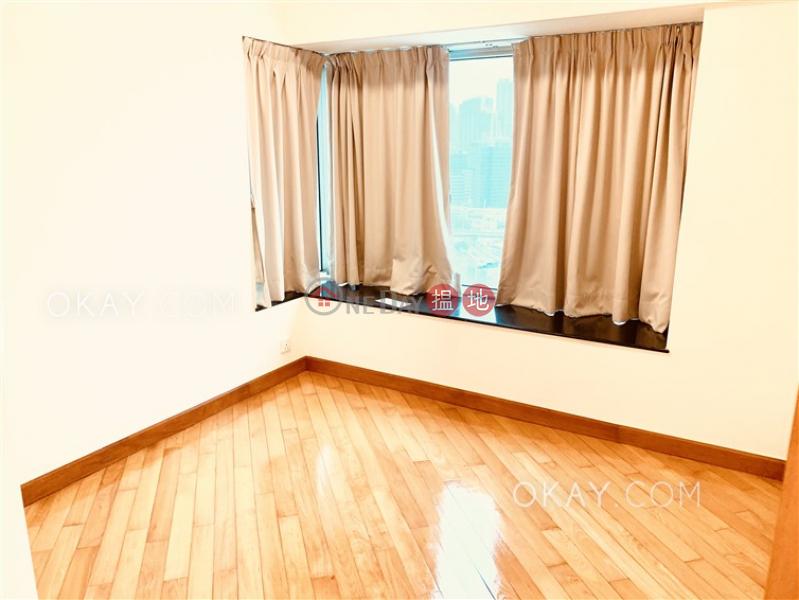 Popular 3 bedroom in Kowloon Station | Rental | Sorrento Phase 1 Block 6 擎天半島1期6座 Rental Listings