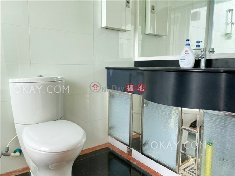 HK$ 33,800/ month One Kowloon Peak Tsuen Wan, Tasteful 4 bedroom with balcony & parking | Rental
