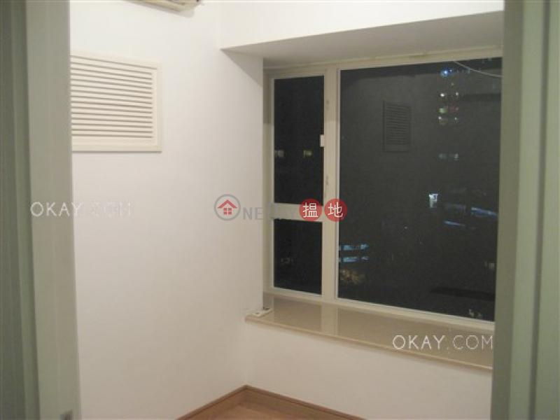3房1廁,極高層,星級會所,露台《聚賢居出租單位》|108荷李活道 | 中區-香港出租HK$ 36,000/ 月