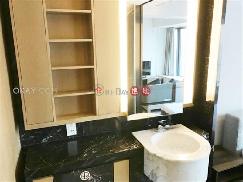 HK$ 31,000/ month | Gramercy, Western District, Popular 1 bedroom in Mid-levels West | Rental