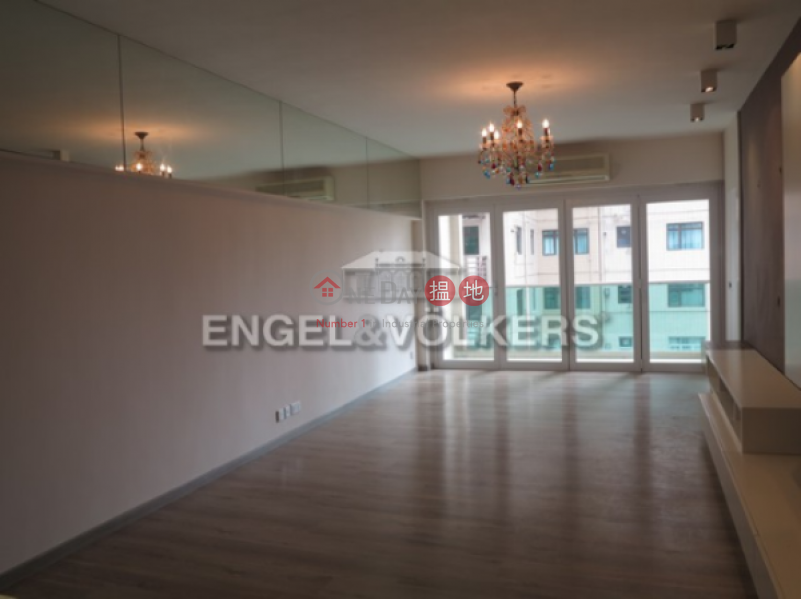 3 Bedroom Family Apartment/Flat for Sale in Mid Levels - West | King\'s Garden 健園 Sales Listings