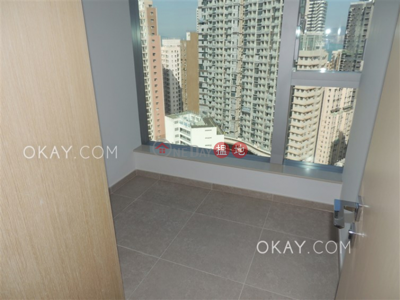 Nicely kept 2 bedroom on high floor with balcony | Rental | Resiglow Pokfulam RESIGLOW薄扶林 Rental Listings