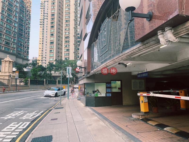 羅便臣道95號欣華花園地下室內停車位(租:$ 3800,買:$ 300萬)-95羅便臣道 | 西區|香港-出租|HK$ 3,800/ 月