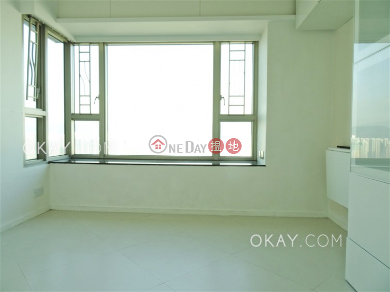 Lovely 3 bedroom on high floor | Rental, Sorrento Phase 1 Block 3 擎天半島1期3座 Rental Listings | Yau Tsim Mong (OKAY-R37756)