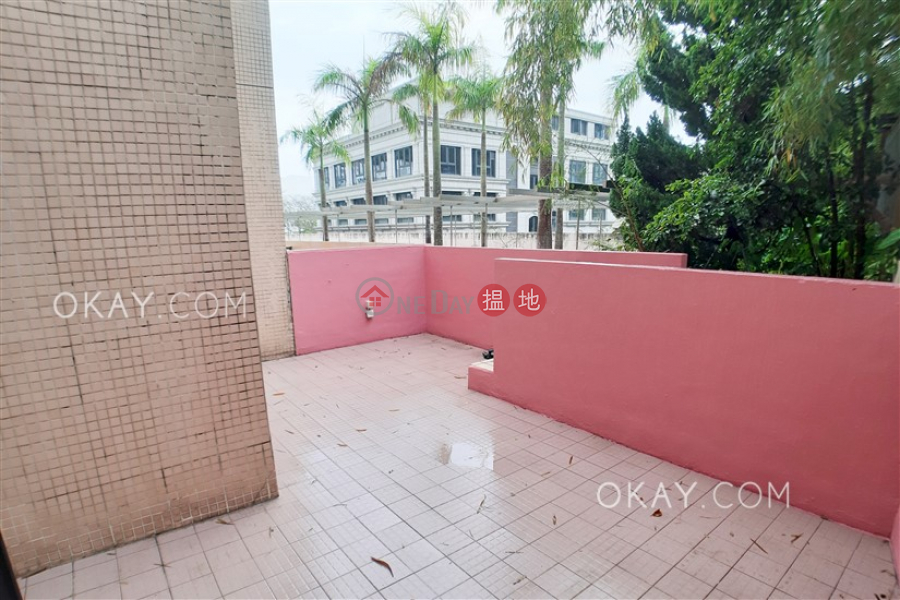Stylish 2 bedroom with parking   Rental, The Beachside The Beachside Rental Listings   Southern District (OKAY-R14733)