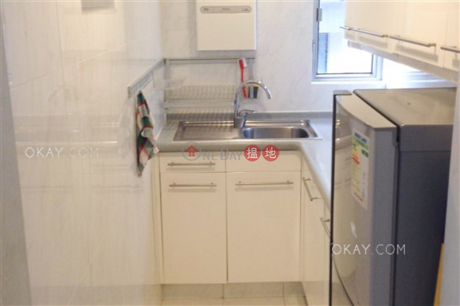 HK$ 9.9M Notting Hill, Wan Chai District, Intimate 2 bedroom on high floor   For Sale
