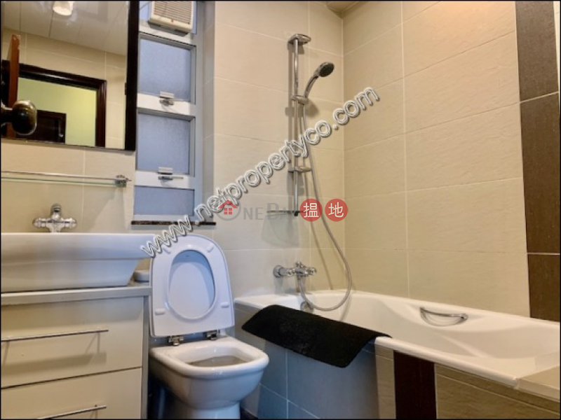 HK$ 43,000/ month, Harrison Court Phase 6 Kowloon City A specious 3 bedrooms unit located in Ho Man Tin