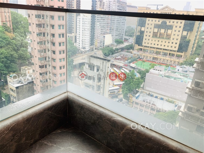 HK$ 17M | The Warren | Wan Chai District, Tasteful 2 bedroom with harbour views & balcony | For Sale