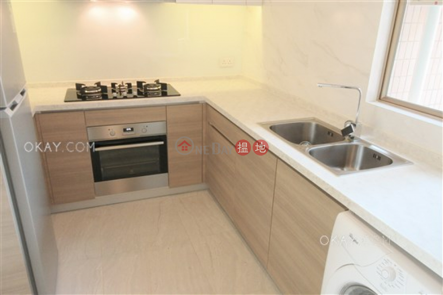 HK$ 30,300/ month | Hong Kong Gold Coast Block 21 Tuen Mun, Nicely kept 3 bedroom with sea views, balcony | Rental