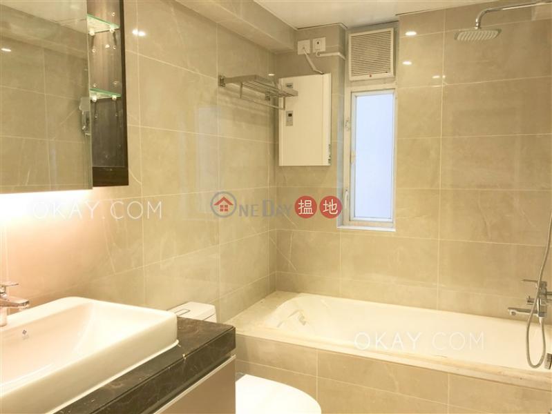 HK$ 1,950萬|碧瑤灣25-27座-西區2房1廁,實用率高,連車位,露台《碧瑤灣25-27座出售單位》