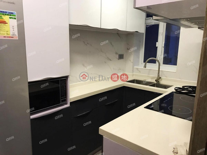 Sik On House | 2 bedroom Low Floor Flat for Rent | 54 Hill Road | Western District Hong Kong, Rental HK$ 32,000/ month