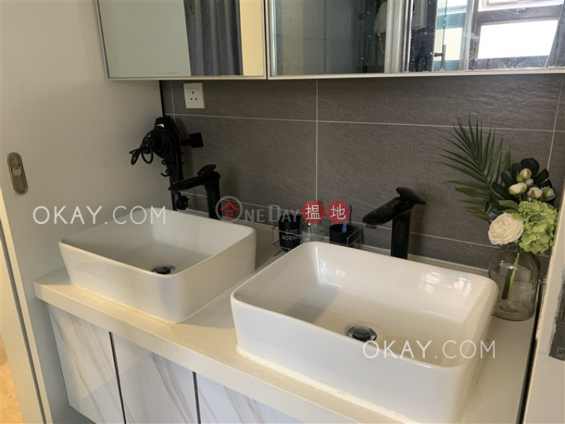 Practical 2 bedroom in Central | Rental, Sunrise House 新陞大樓 Rental Listings | Central District (OKAY-R277024)