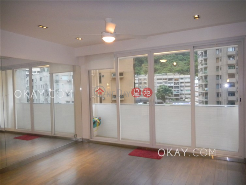 Tasteful 3 bedroom with balcony | Rental, Waiga Mansion 維基樓 Rental Listings | Wan Chai District (OKAY-R286145)
