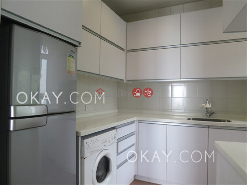 Lovely 3 bedroom on high floor with balcony & parking | Rental | Hatton Place 杏彤苑 Rental Listings