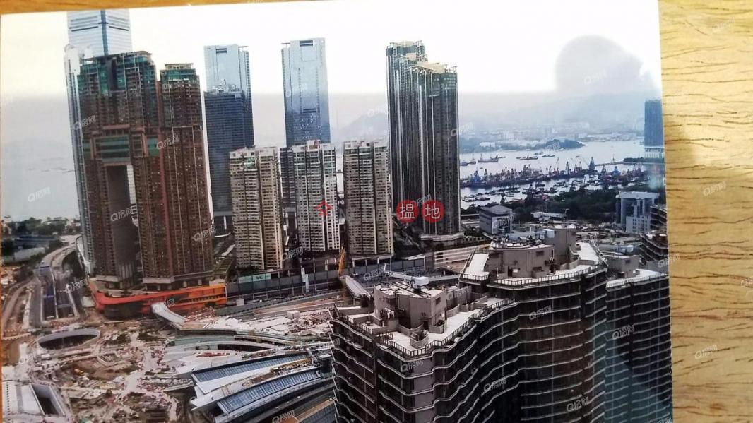 HK$ 1,800萬港景峰油尖旺|無敵景觀,四通八達,間隔實用《港景峰買賣盤》