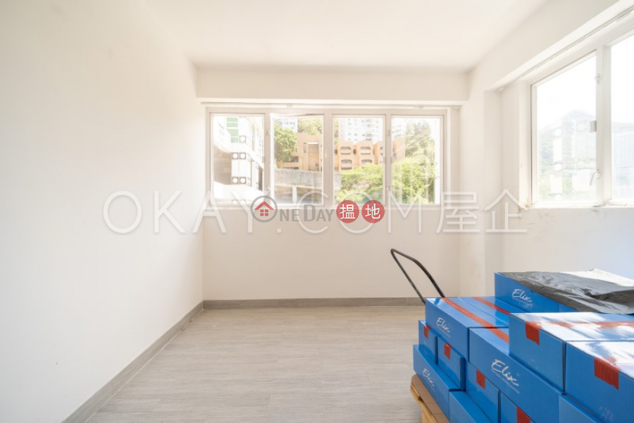HK$ 35,000/ month Phase 3 Villa Cecil Western District | Lovely 2 bedroom with balcony | Rental
