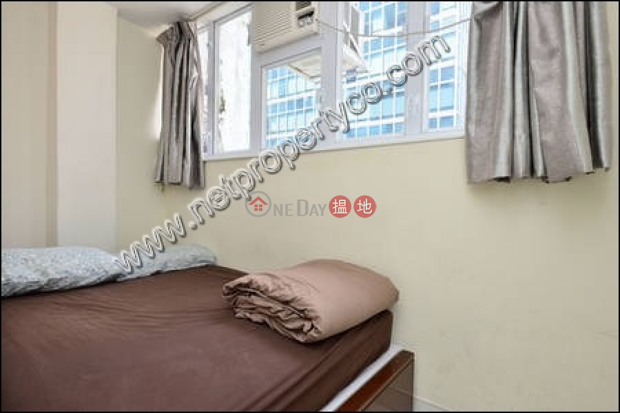 HK$ 24,800/ month, Heung Hoi Mansion, Wan Chai District 3-bedroom flat for rent with a rooftop in Wan Chai