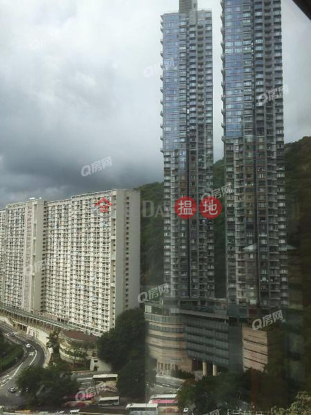 Property Search Hong Kong | OneDay | Residential Rental Listings | The Signature Podium | 4 bedroom Low Floor Flat for Rent