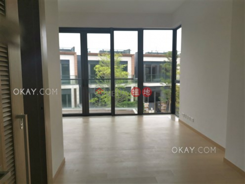 HK$ 130,000/ month | The Bloomsway, The Laguna Tuen Mun, Luxurious house with rooftop, balcony | Rental