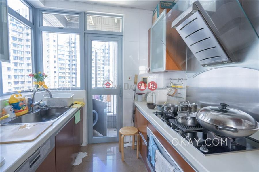 HK$ 59,000/ month | Phase 4 Bel-Air On The Peak Residence Bel-Air, Southern District | Tasteful 3 bedroom on high floor with balcony | Rental