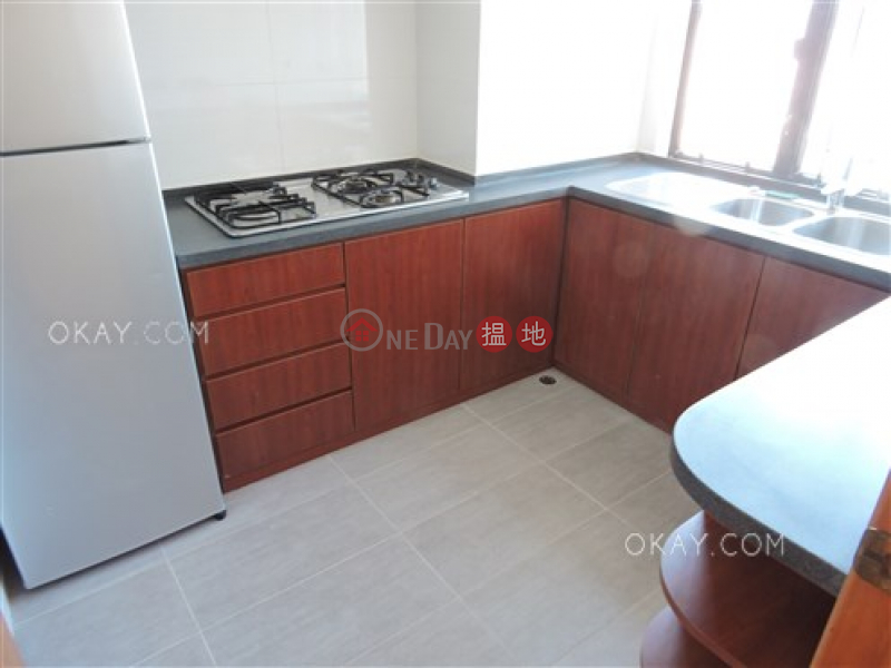 Stylish 3 bedroom on high floor with harbour views | Rental | Robinson Heights 樂信臺 Rental Listings