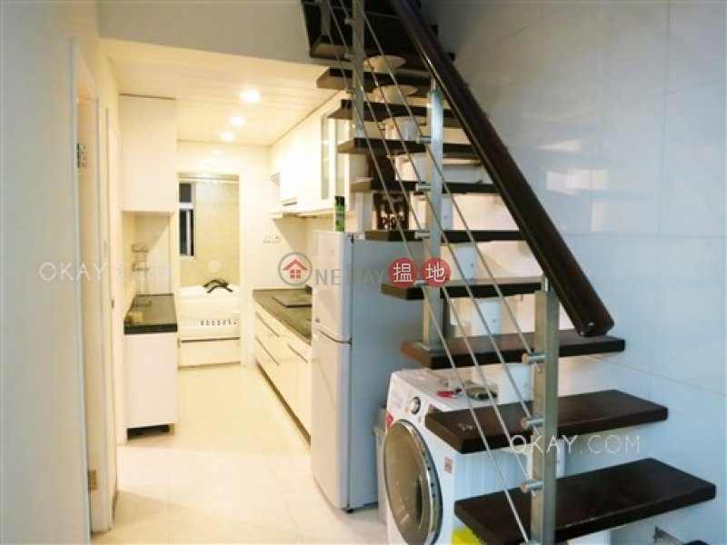 Popular 2 bedroom on high floor with rooftop | For Sale | 14 Tai Yuen Street 太原街14號 Sales Listings