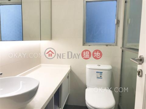 Tasteful 3 bedroom with balcony   Rental Wan Chai DistrictBlock 2 Phoenix Court(Block 2 Phoenix Court)Rental Listings (OKAY-R23883)_0