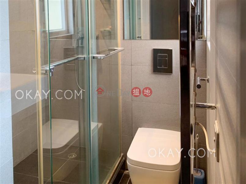 Generous high floor with sea views & rooftop | Rental | Tong Nam Mansion 東南大廈 Rental Listings