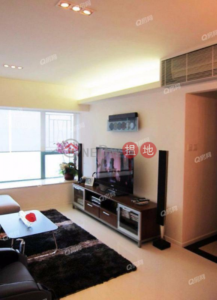 Property Search Hong Kong | OneDay | Residential, Sales Listings Tower 6 Island Resort | 3 bedroom Mid Floor Flat for Sale
