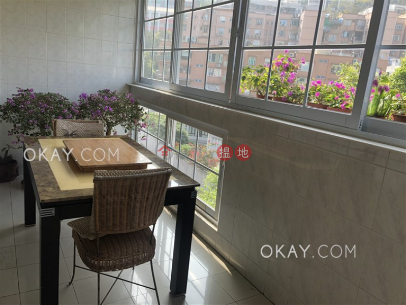 Gorgeous 3 bedroom on high floor with balcony & parking | For Sale | Greenside Villa 翠屏苑 Sales Listings
