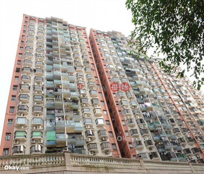 HK$ 33,000/ month | Beverley Heights Eastern District Elegant 3 bedroom on high floor with balcony & parking | Rental
