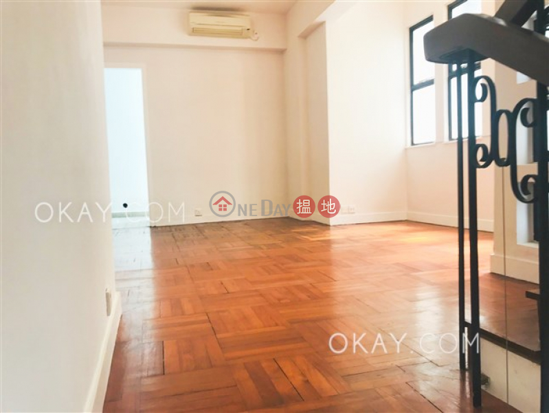 HK$ 128,000/ month 8 Shouson Hill Road East Southern District, Rare house with rooftop, terrace | Rental