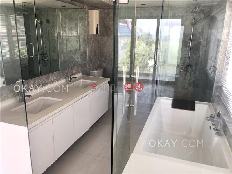 Stylish house with balcony & parking | For Sale | Mau Po Village 茅莆村 Sales Listings