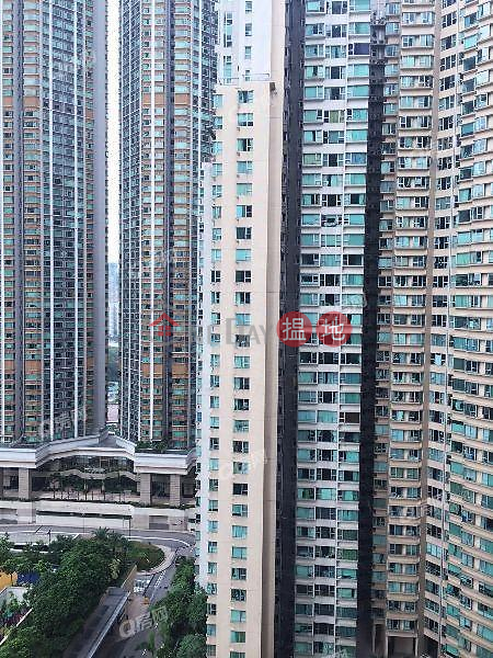 The Waterfront Phase 1 Tower 1 | 2 bedroom Mid Floor Flat for Sale | 1 Austin Road West | Yau Tsim Mong | Hong Kong | Sales | HK$ 18.8M