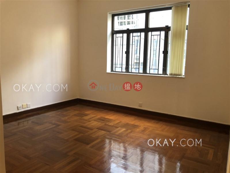 香港搵樓|租樓|二手盤|買樓| 搵地 | 住宅|出租樓盤-3房3廁,連車位,露台《樂景臺31-35號出租單位》