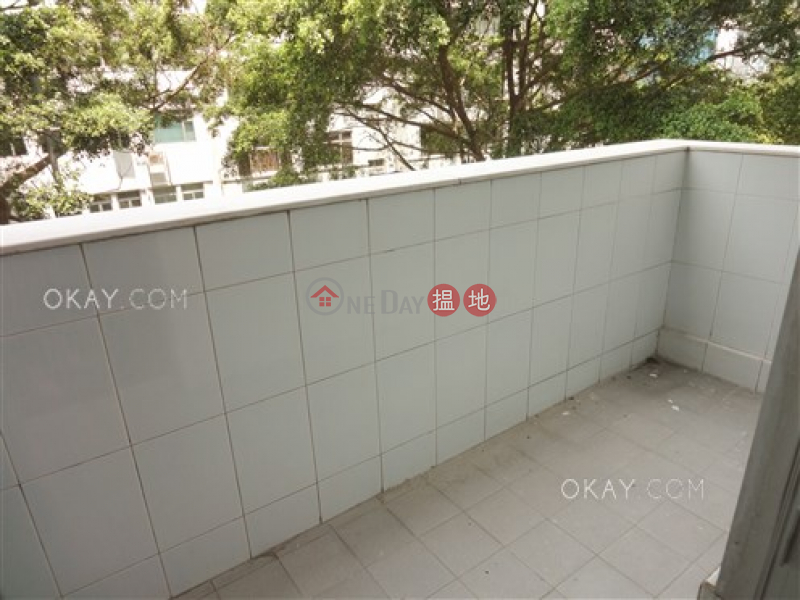 HK$ 26,000/ month | Breezy Mansion Western District Practical 2 bedroom with balcony | Rental