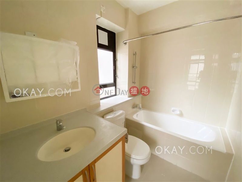 Efficient 4 bedroom with balcony & parking | Rental | Macdonnell House 麥當奴大廈 Rental Listings
