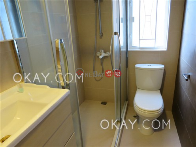 HK$ 33,000/ month Maiden Court, Eastern District Luxurious 3 bedroom with parking   Rental